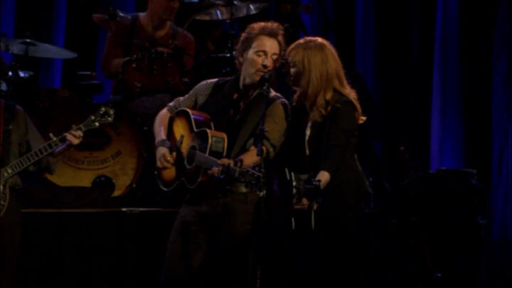"Bruce Springsteen performing IF I SHOULD FALL BEHIND during the 19 Nov 2006 show at Point Theatre, Dublin, Ireland (from the ""Live In Dublin"" DVD)"