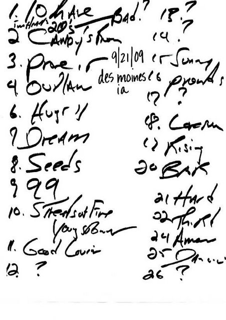 Handwritten setlist for the 21 Sep 2009 show at Wells Fargo Arena, Des Moines, IA